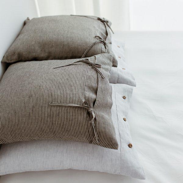 coconut buttons Pillowcase nature black
